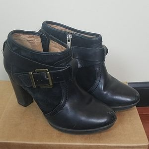 Clarks black leather heeled ankle boots booties 7